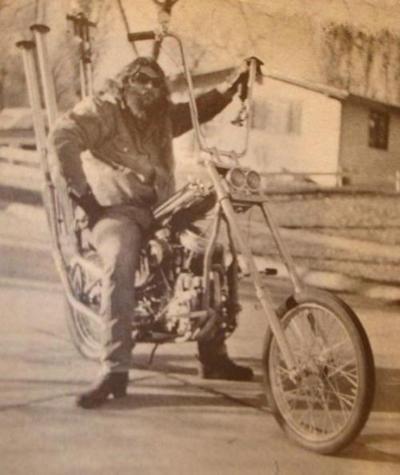 f59e3a6d7653f51c6546a4e0533df393--hd-motorcycles-women-riding-motorcycles