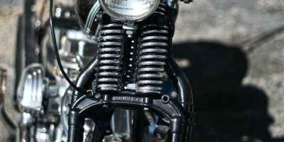 black cruiser motorcycle